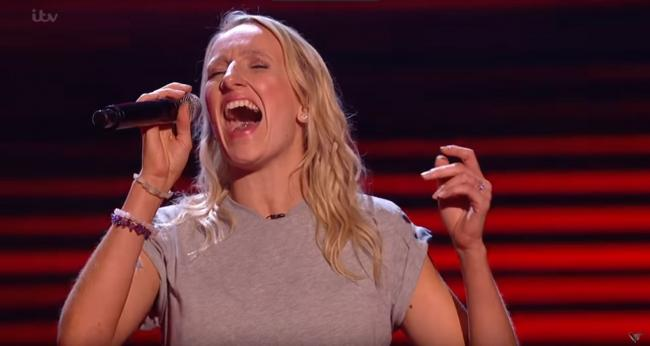 Amazing - Sarah Tucker performing In My Blood on the Voice