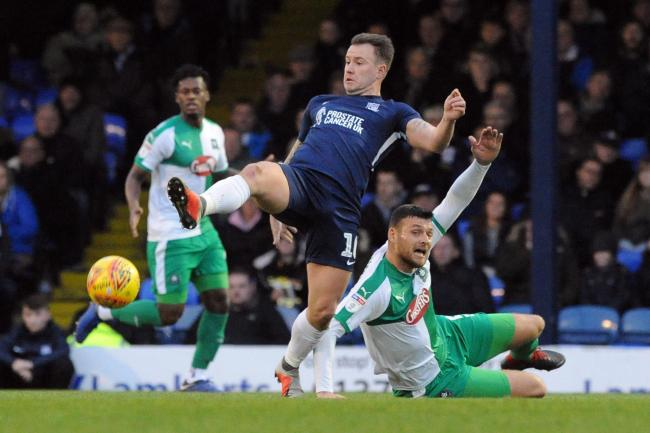 Wanting a home win - Southend United striker Simon Cox